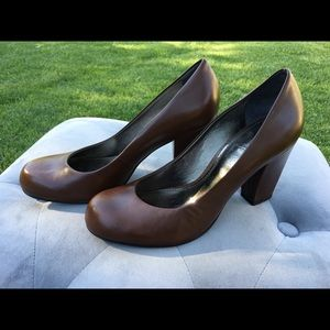 Vince Camuto Leather Upper Pumps Size 7